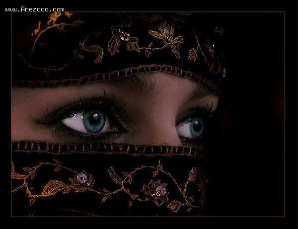 چشم زیبای آبی