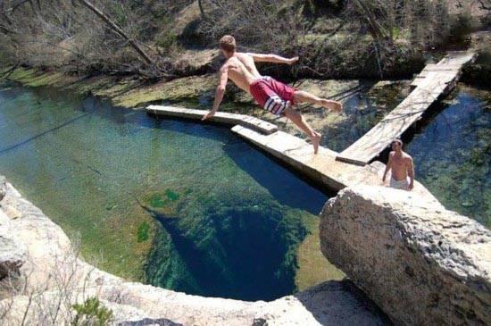 مطالب داغ: شیرجه خطرناک در چاه یعقوب
