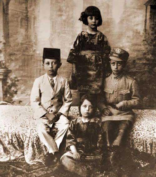 عکس های کودکی بازیگران و افراد مشهور