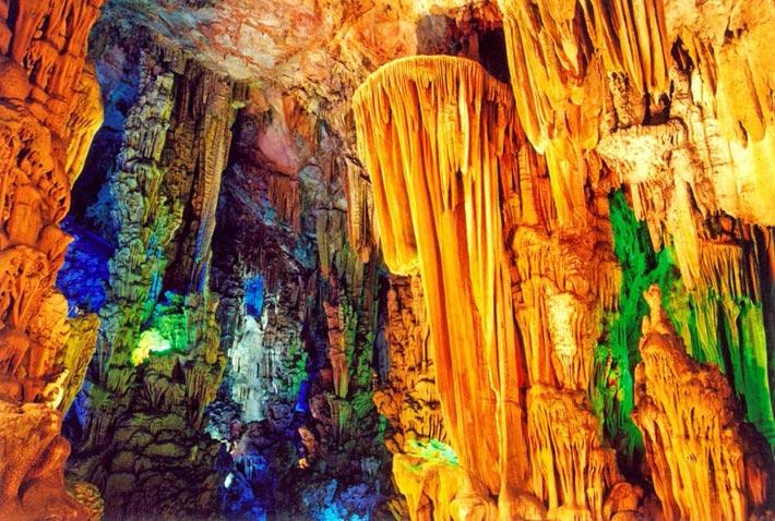 گردشگری: غـار ریـدفلوت، یکی از شگفت انگیـزترین غـارهای جـهان