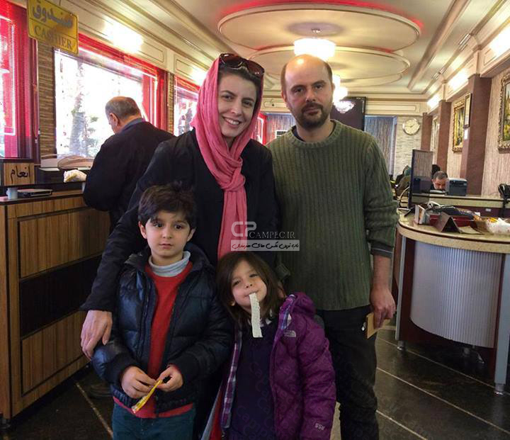 لیلا حاتمی و همسر علی مصفا و فرزندانشان