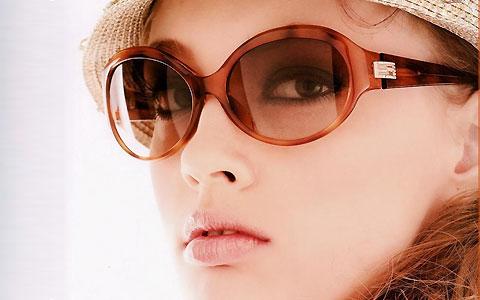 پزشکی: چه نوع عینک آفتابی استفاده کنیم؟
