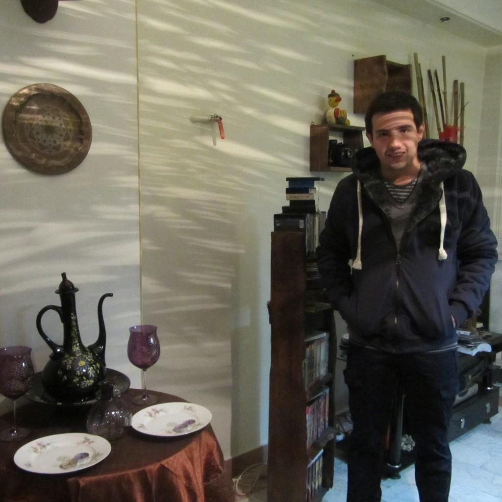 http://s5.picofile.com/file/8106502642/A_kazemi_18_.jpg