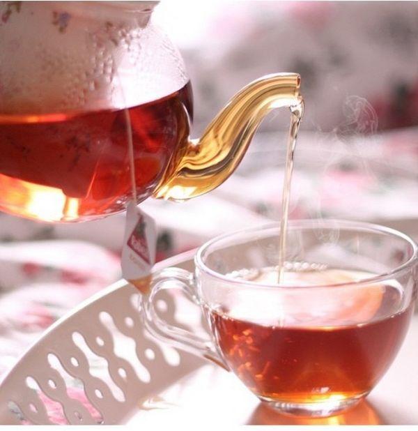 و چای دغدغه عاشقانه خوبی ست  برای با تو نشستن بهانه خوبی ست