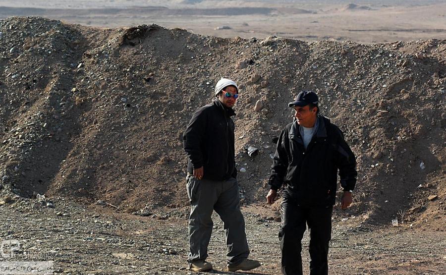 علی صادقی در پشت صحنه سریال معراجی ها