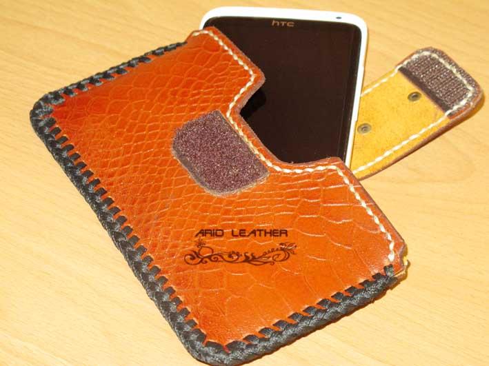 چرمی ...ario leather دست ساخته هایالگوی کیف موبایل چرمی