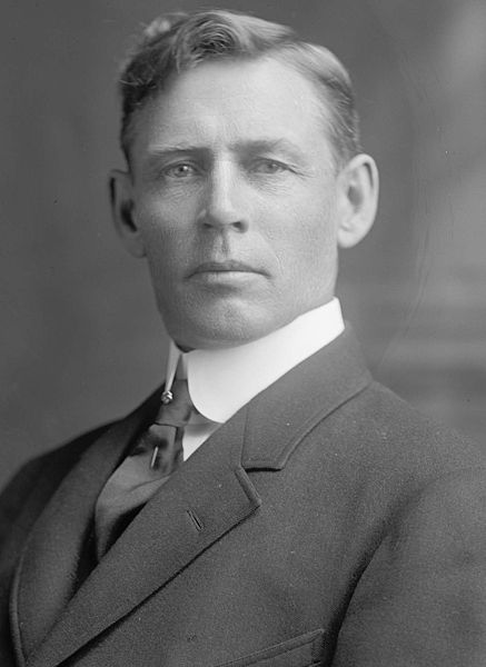 http://s5.picofile.com/file/8108395276/005_437px_Charles_August_Lindbergh.jpg