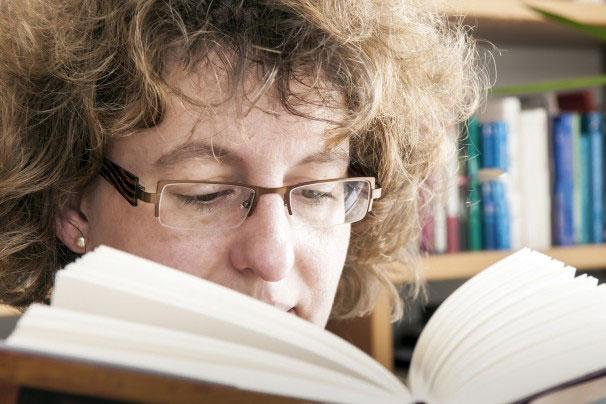 روانشناسی: خواندن یک رمان میتواند مغز شما را تغییر دهد؟