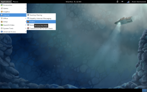 http://s5.picofile.com/file/8109803218/fedora16_gnome_classic_1024x640.png