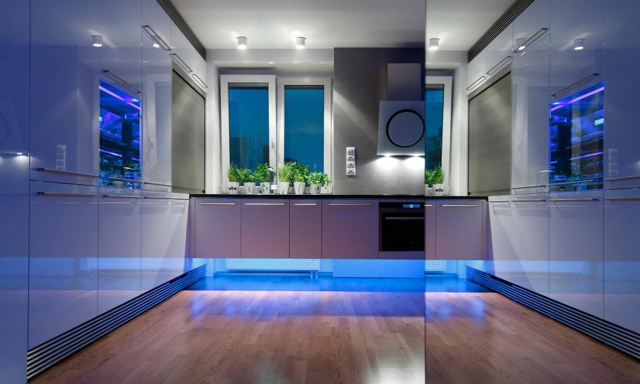 بازسازی دکوراسیون آپارتمانی در اسلواکی بانورپردازی ال ای دی (LED)