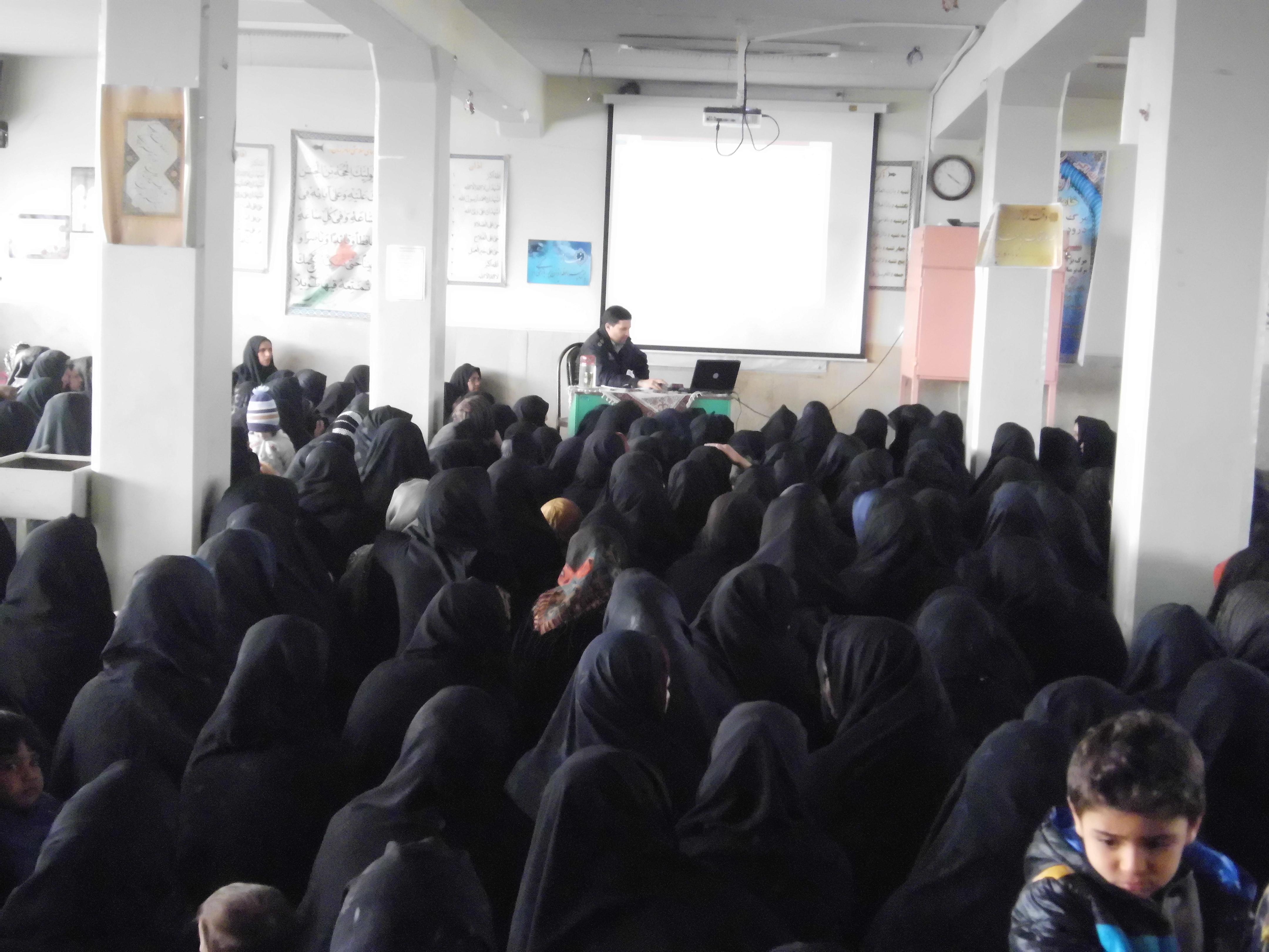 جلسه انجمن واولیا با حضور سرسبز والدین وسخنرانی جناب آقای سبز علی