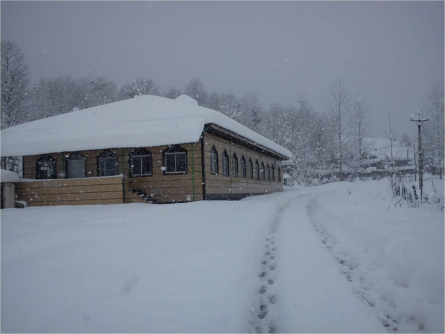 مسجد شهدای روستای شولم برف 1متری بهمن92