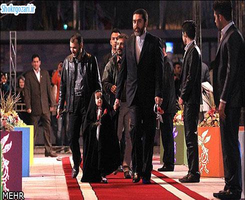حاشیه جشنواره فجر_حضور دختر خردسال سید محمود رضوی از تهیه کنندگان سینمای ایران