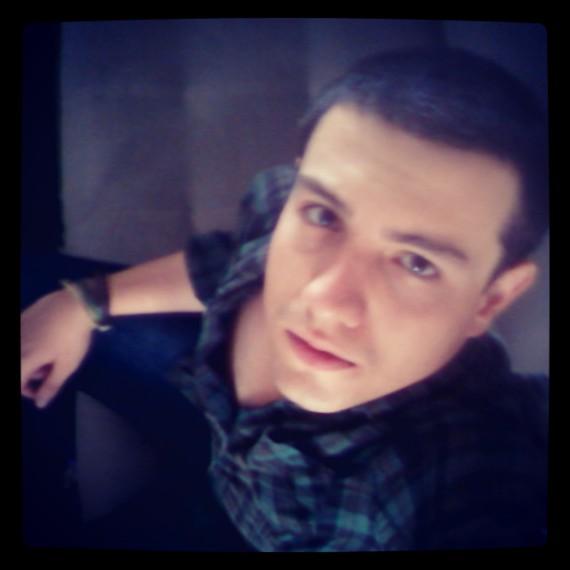 http://s5.picofile.com/file/8112115226/IMG_20130823_130924.jpg