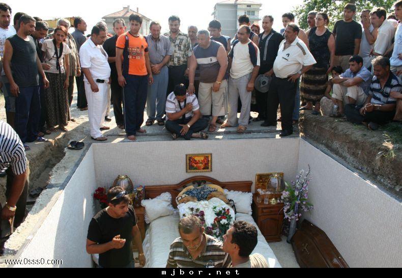 مطالب داغ: مردگانی که وصیت کردند اینجوری دفن بشوند