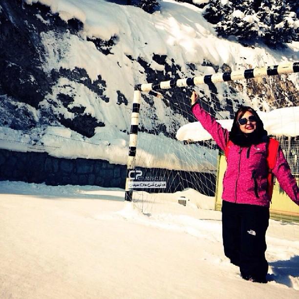 عکس نیوشا ضیغمی در برف
