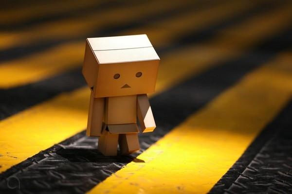 سنگم نزن شکسته دل این حوالی ام