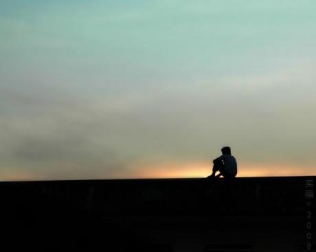 تا صبح دم به یاد تو شب را قدم زدم