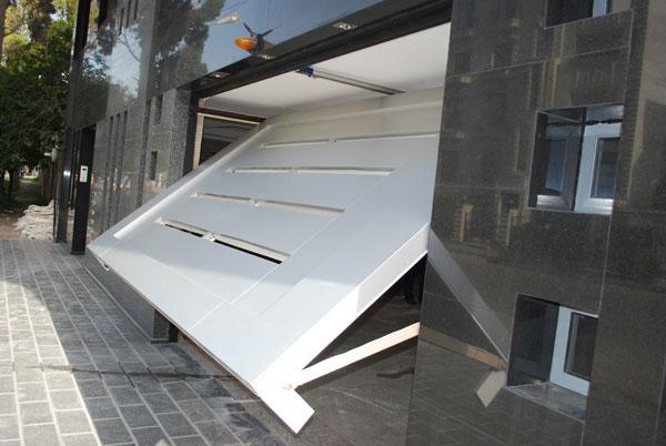 درب زیر سقفی
