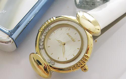 خرید ساعت مچی زنانه شیک و مدرن