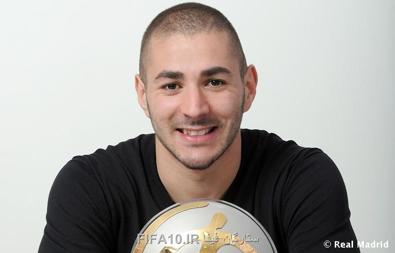 http://s5.picofile.com/file/8115059768/Benzema_best_player_3_.jpg