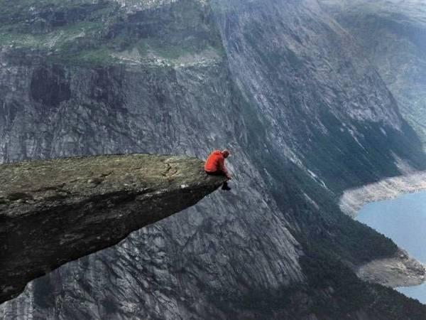 آنچه آن را کوه خواندم، پرتگاهی دیگر است
