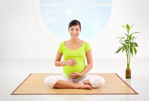 تمرینات مناسب یوگا برای زنان باردار و حامله
