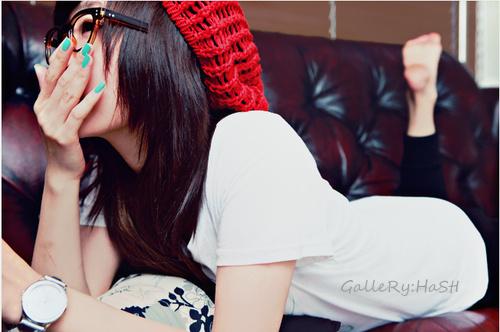 fashion_girl_glasses_nails_Favim_com_137