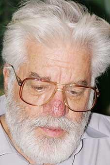 دکتر حسین محمدزاده صدیق دوزگون