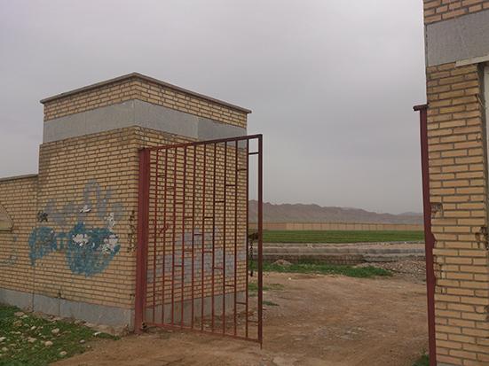 تصاویر بسیار زیبا از زمين چمن طبیعی شهر ترکالکی
