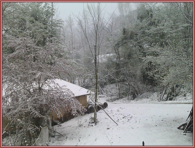 بارش برف 10فروردین1393 در روستای شولم