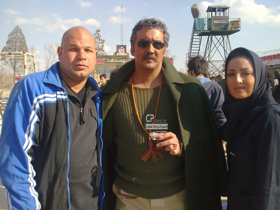 شیلا خداداد و حسام نواب صفوی در پشت صحنه سریال اخراجی ها2
