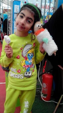 شادان و عروسکی که اونجا درست کرد