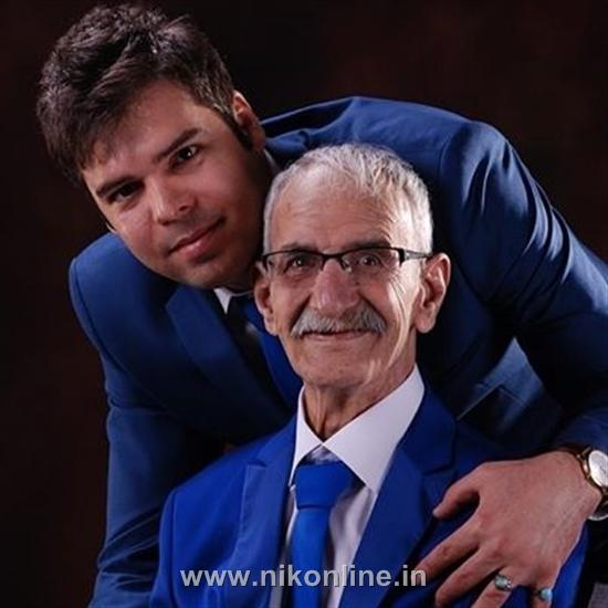 احمد پورمخبر در کنار پسرش