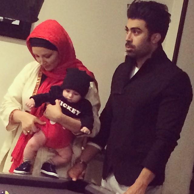 روناک یونسی و همسر و پسرش