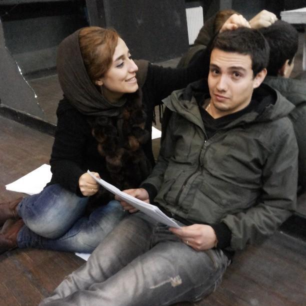 http://s5.picofile.com/file/8121125034/Amir_Kazemi_v_Mahtab_Mohseni_3.jpg