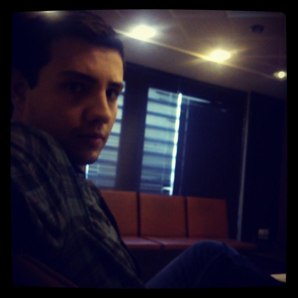 http://s5.picofile.com/file/8121125350/IMG_20131007_133456.jpg