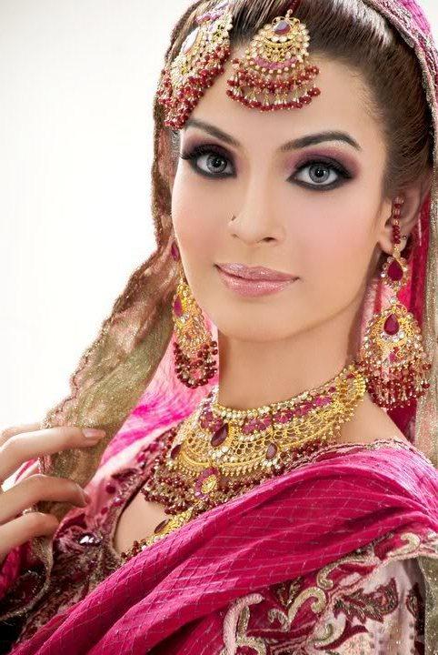 مدل لوازم جانبی عروس هندی,عروس هندی 2014,مدل آرایش عروس هندی,آرایش عروس هندی 2014,مدل جواهرات هندی,عروس هندی 93,طلا و جواهرات هندی,http://aksmodel.rozblog.com