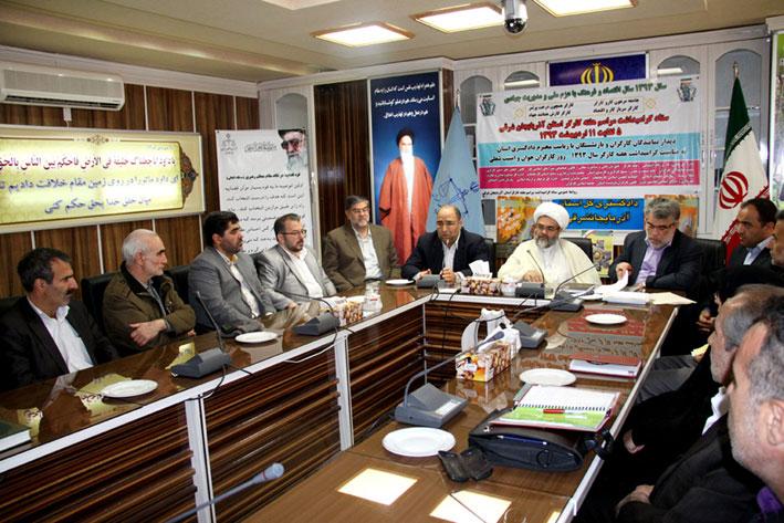 حجت الاسلام والمسلمین مالک اژدر شریفی روز یکشنبه در دیدار با اعضای کارگروه حمایت از حقوق کارگران دفتر منطقه 7