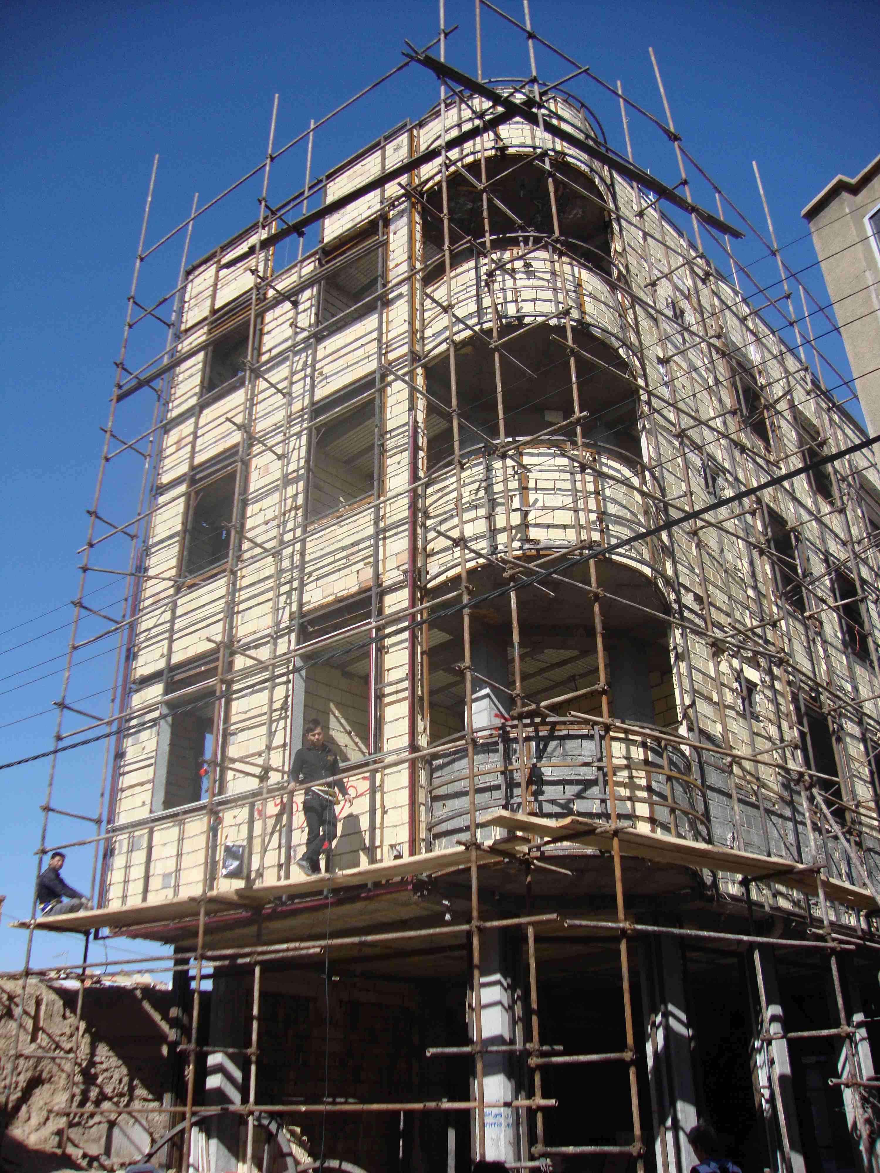 ساختمان مسکونی 2 - نماسازان امروزمحصول مورد استفاده : ساندویچ پانل دکوراتیو NG2 و NG5 تیپ 4