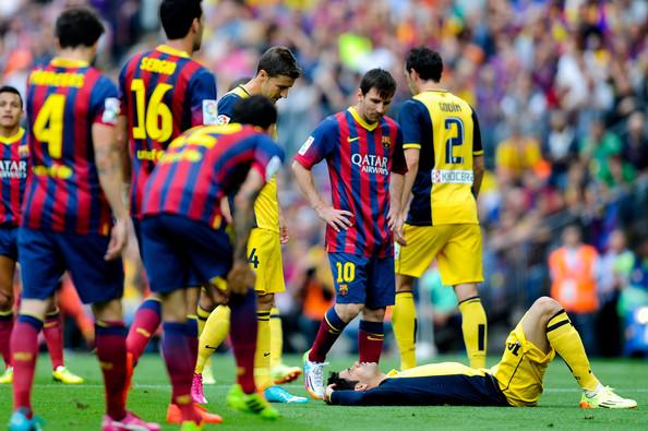 مصدومیت دیگو کاستا در جریان بازی مقابل بارسلونا