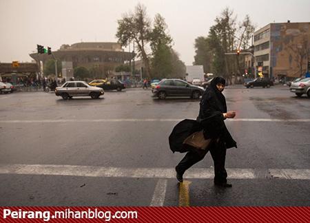 چادر بانوی ایرانی تسلیم طوفان هم نمی شود