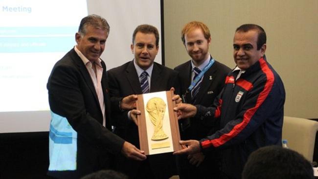 تندیس چهارمین حضور در جام جهانی در دستان کیروش