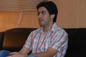 http://s5.picofile.com/file/8125958434/khosro_h.jpg