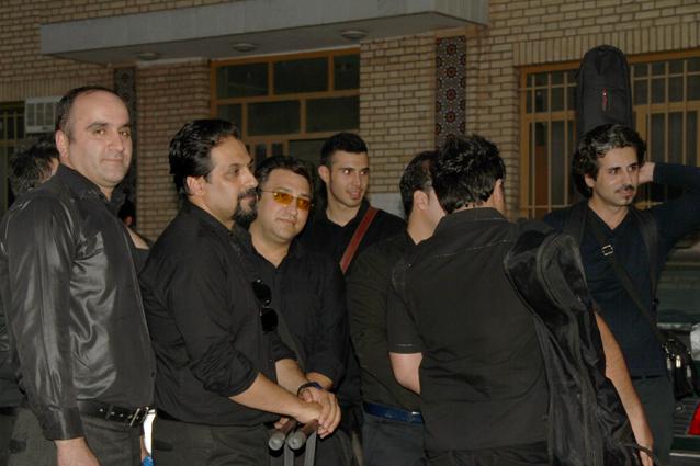 تصاویر اقای اخشابی در کنسرت شاهین شهر-20 خرداد 93