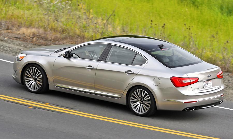 کادنزا به عنوان یکی از با کیفیت ترین خودرو های سال 2014 معرفی شده و حتی باعث شده رتبه کیا بالاتر برود