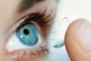 بهداشت و زیبایی: لنز دارید؟ مواظب عفونت قرنیه باشید