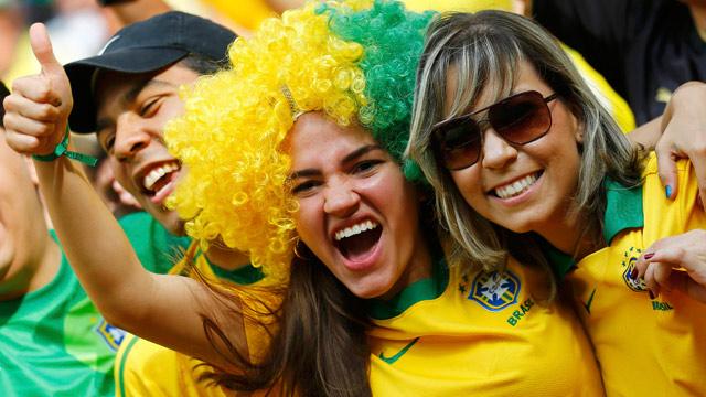 http://s5.picofile.com/file/8127477800/brazil_fans_celebrate_006.jpg