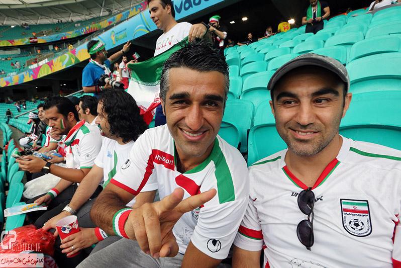 محسن تنابنده و پژمان جمشیدی در بازی ایران و بوسنی