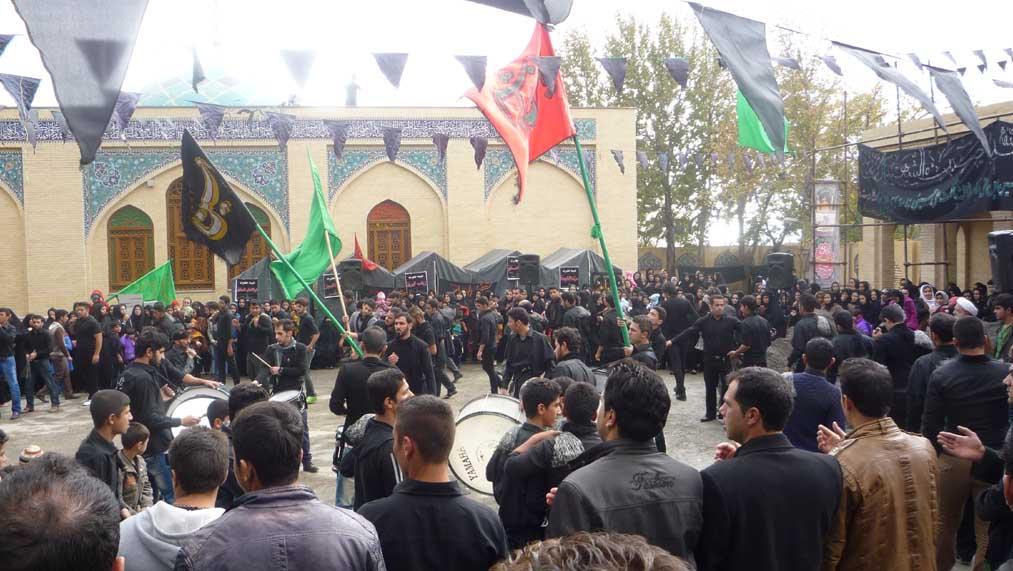 مراسم عاشورای حسینی در جوار امامزاده باقر(ع) بیستون